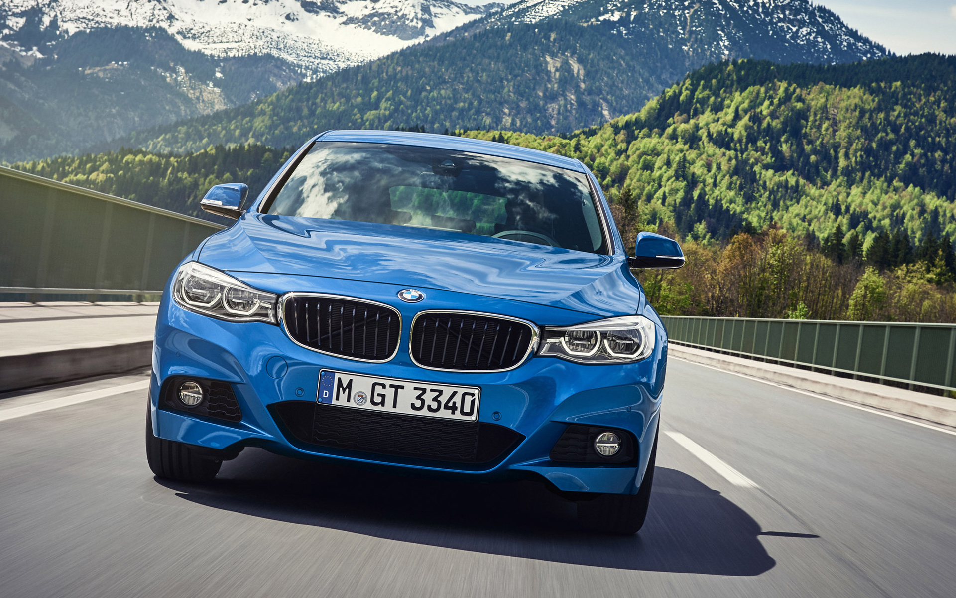 BMW 3 series - Top selling executive sedans and saloons