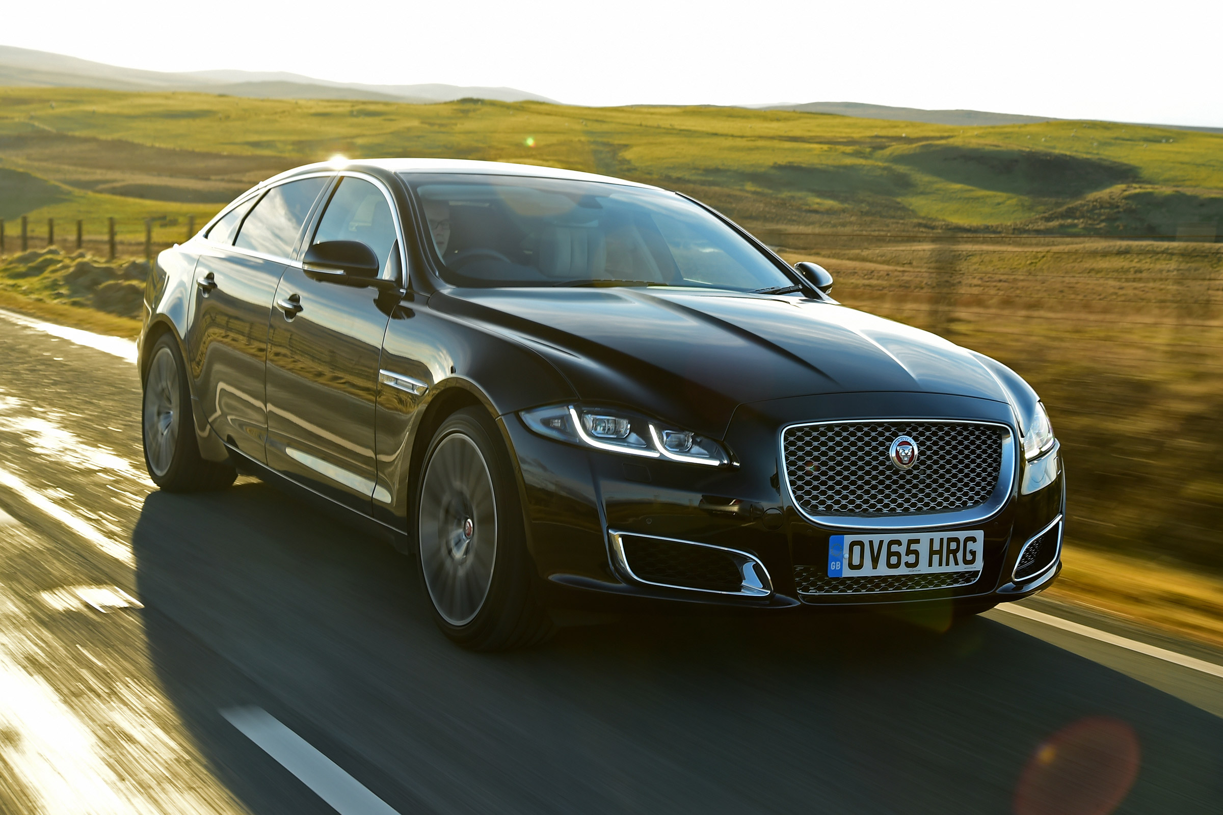 Jaguar XJ - Top selling executive sedans and saloons