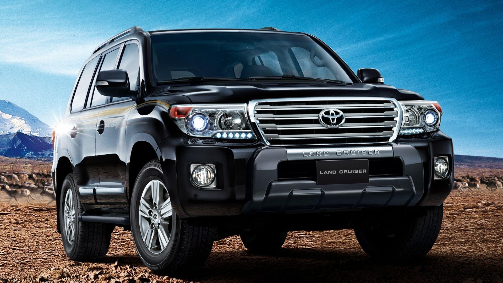 Land Cruiser v8 - Top Selling SUVs