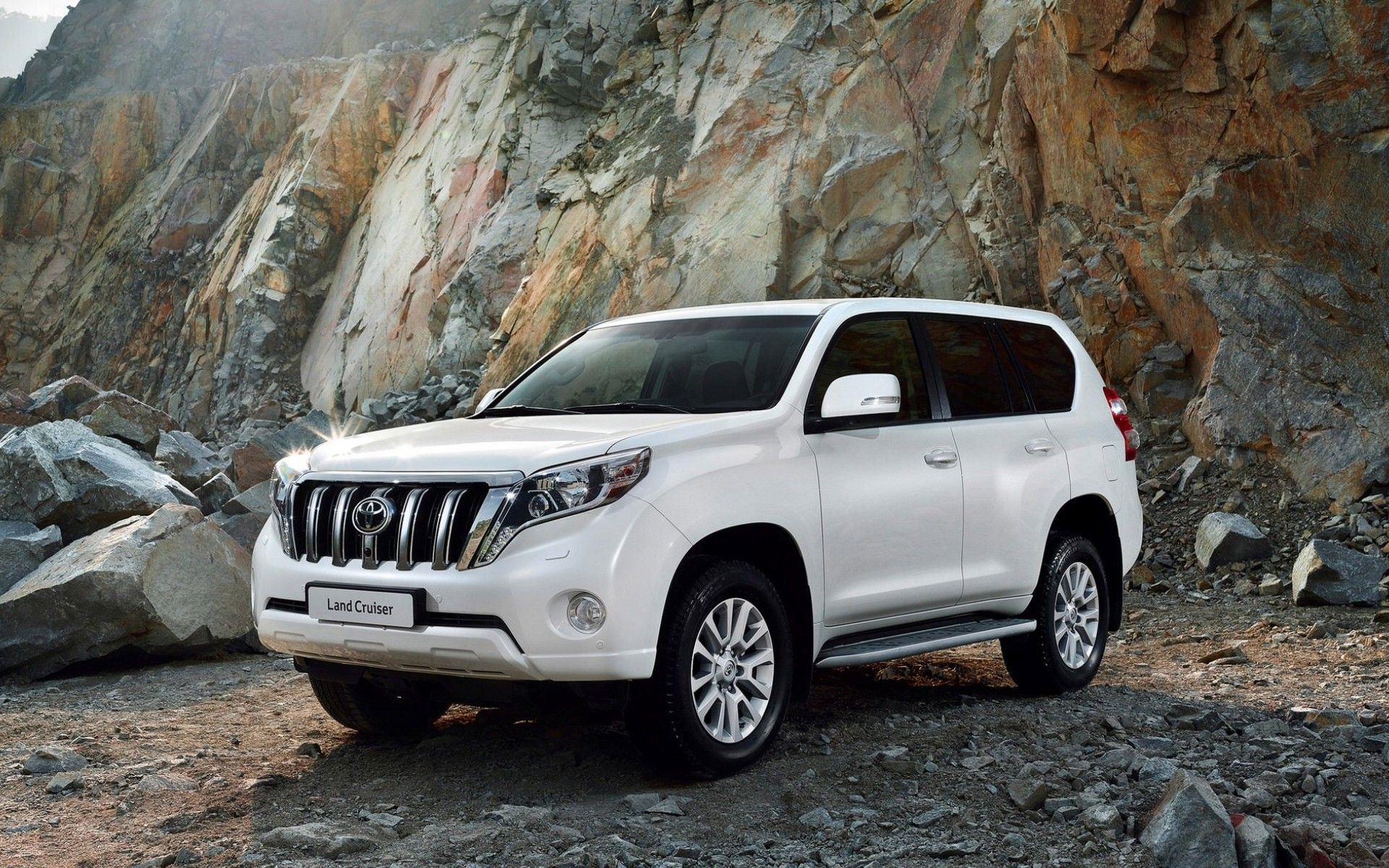 Land cruiser Prado - Top Selling SUVs
